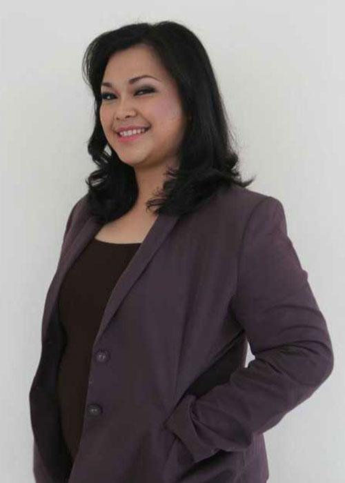 Marcella - Guru Bahasa di LUMINOUS untuk program bahasa asia - Indonesia untuk ekspat