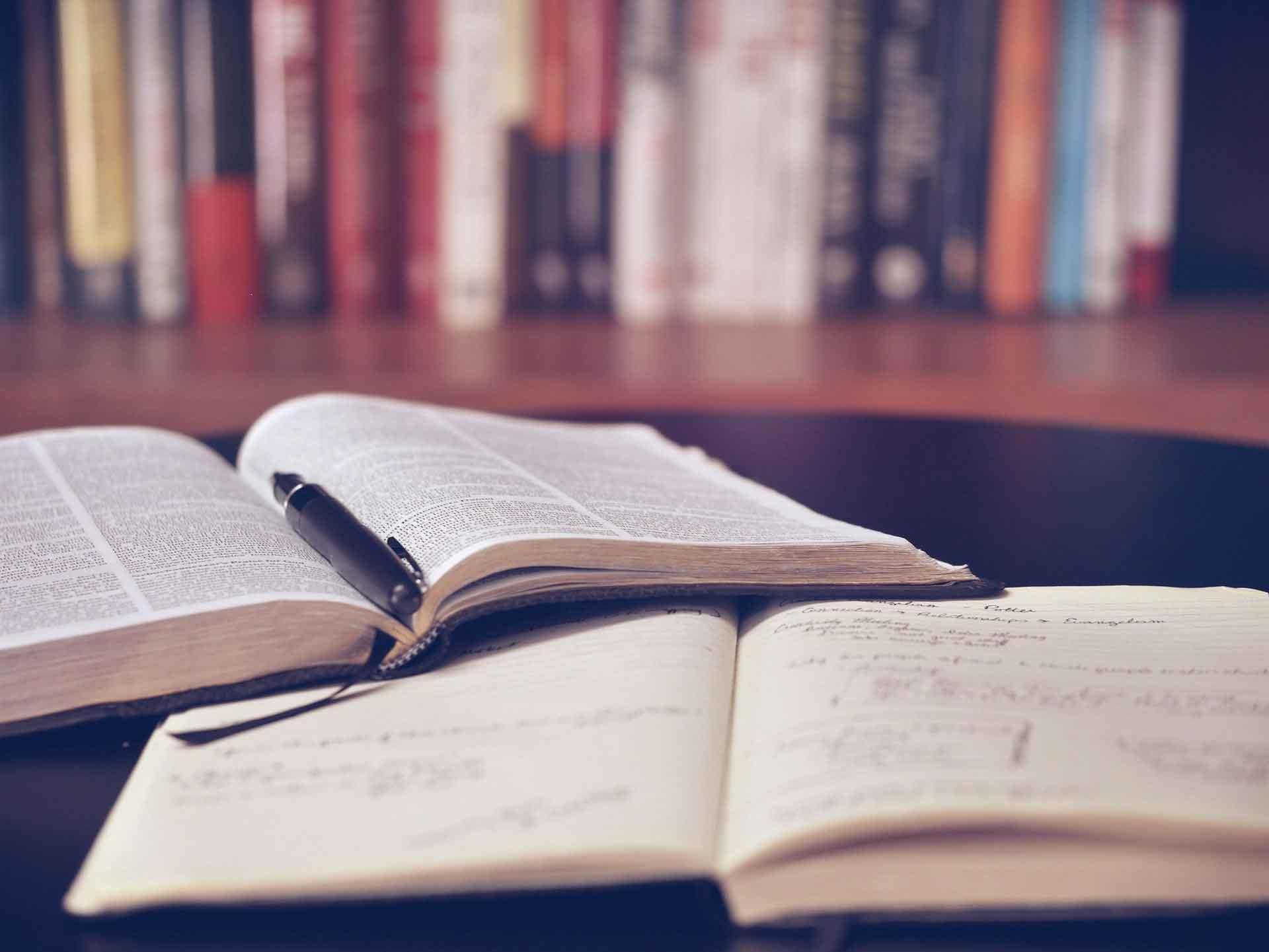 belajar bahasa indonesia bagi orang asing dengan cara membaca dan menulis