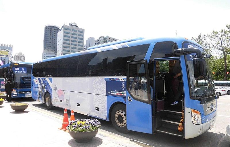 bus korea sedang berhenti